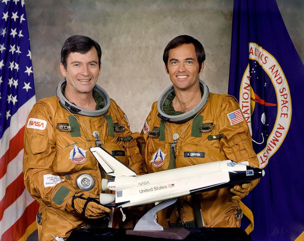 Tripulación del STS-1. A la izquierda John Young, a la derecha R. Crippen.