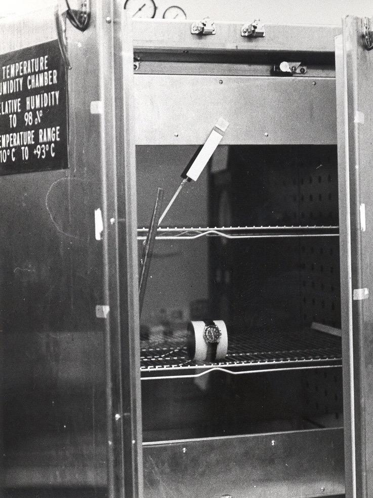 NASA probando el aguante del Speedmaster a la temperatura y la humedad.
