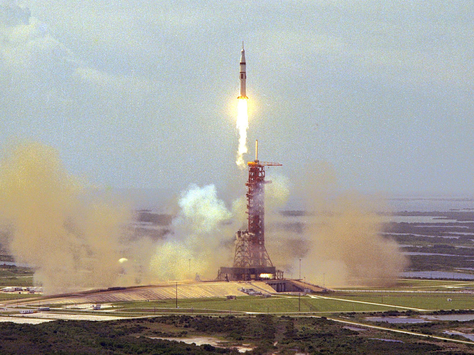 Lanzamiento del Saturno IB en el ASTP
